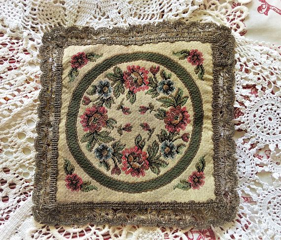 1930 tapestry doily adorned with a fabulous flowers and golden
