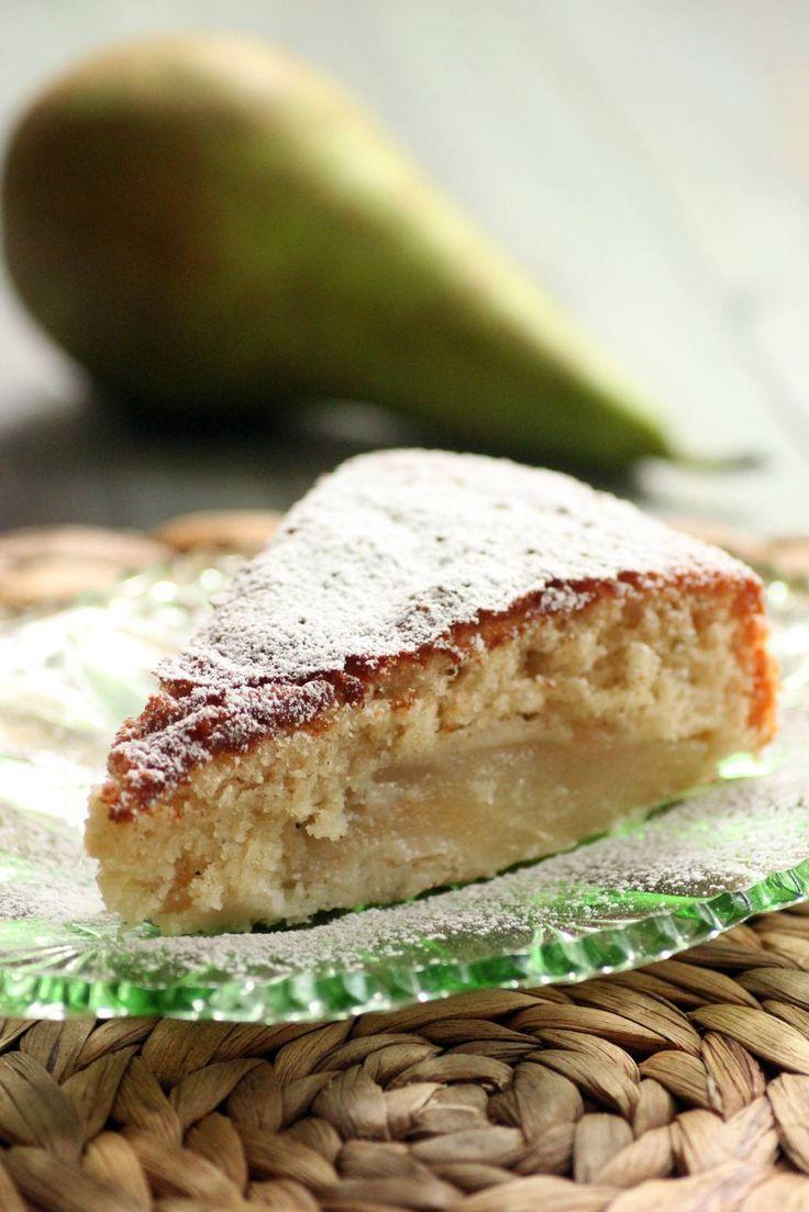 En saftig päronkaka med smaker av stjärnanis, ingefära vanilj och kardemumma.