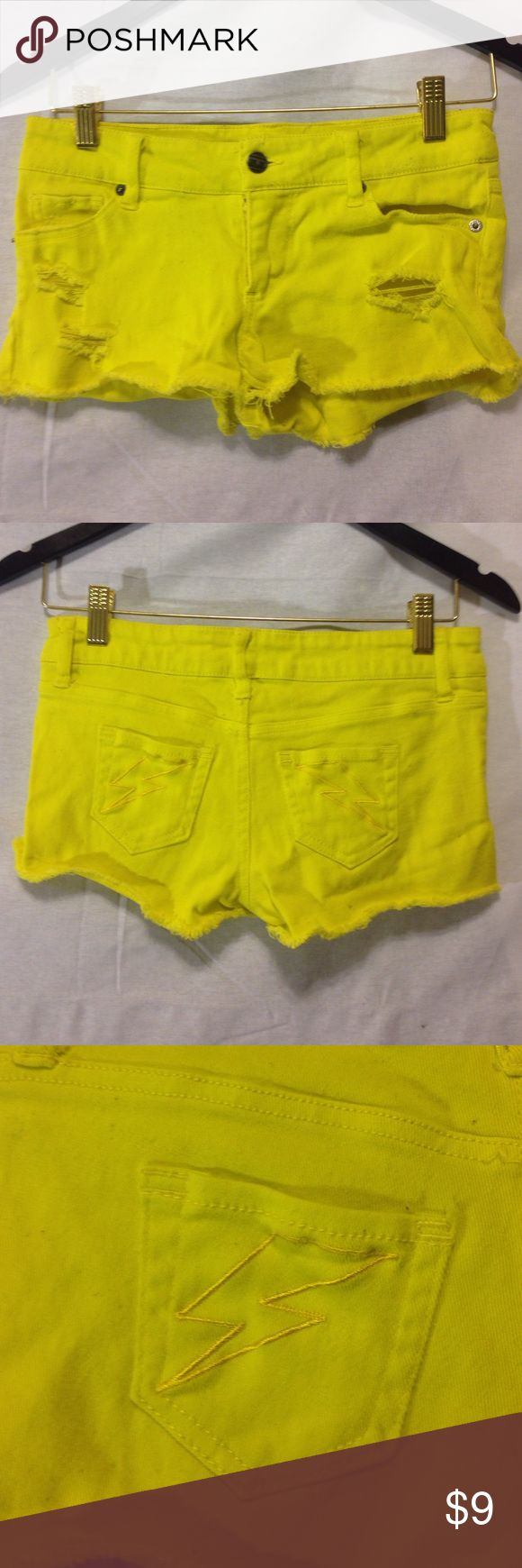size 1 neon yellow jean shorts 🌩 neon yellow jean shorts with lightning bolts on back pockets. size 1. Shorts Jean Shorts