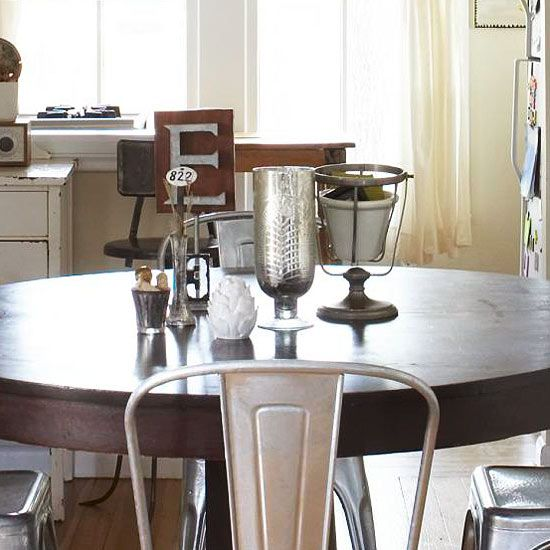 Compile a collection of thrift store finds for a charming table centerpiece. Find inspiration for flea market finds: http://www.bhg.com/decorating/decorating-style/flea-market/?socsrc=bhgpin062812: Trinket Centerpieces, Tables Centerpieces, Unique Centerpieces, Table Centerpieces, Marketing Centerpieces