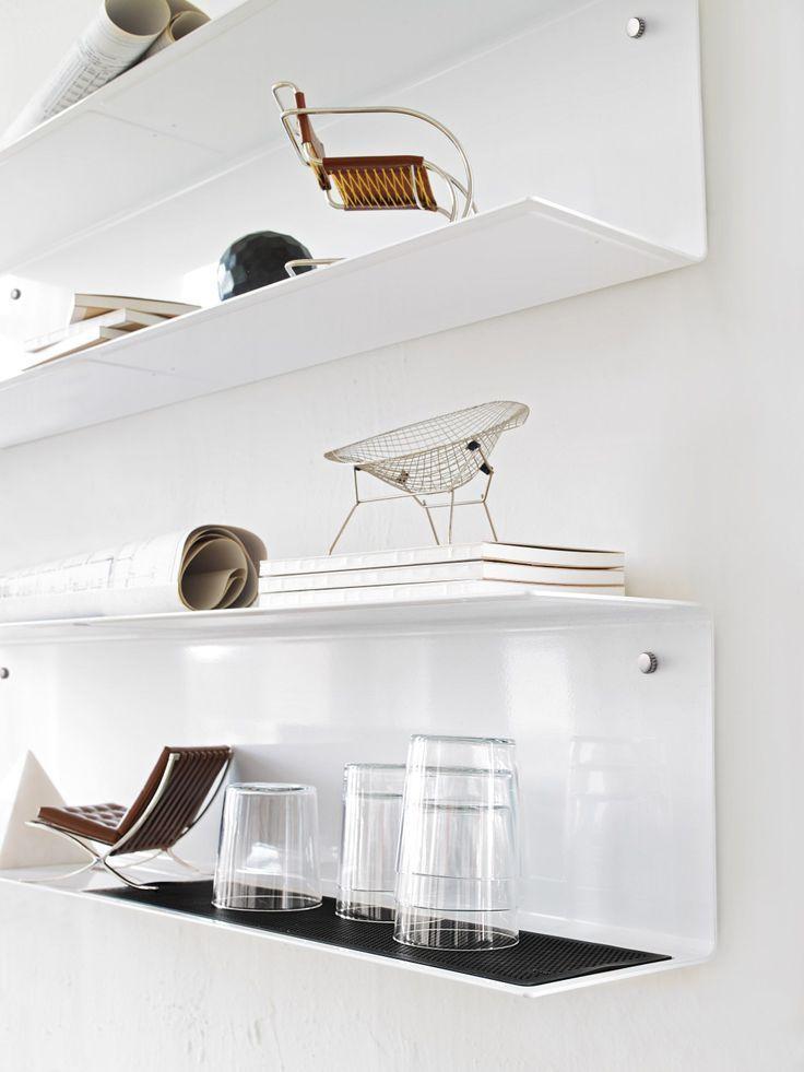 1000 idee su mensole soggiorno su pinterest pareti for Mensole grigie