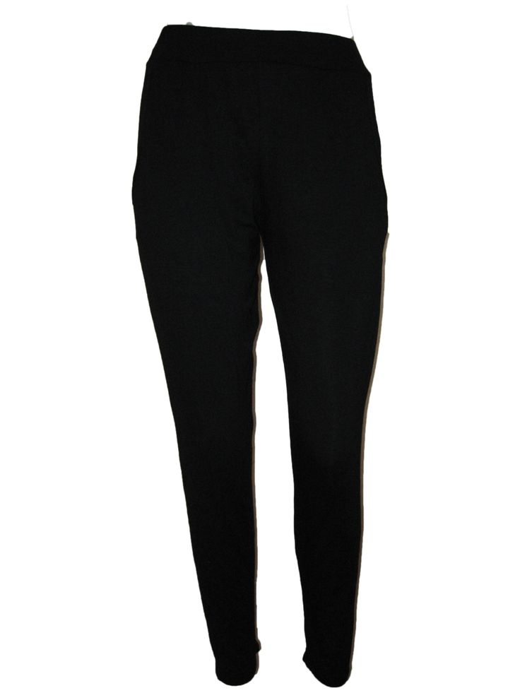Classic cotton harlem cut pants.