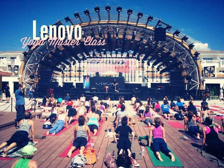 Una clase de Yoga junto a Lenovo en Ibiza (España).