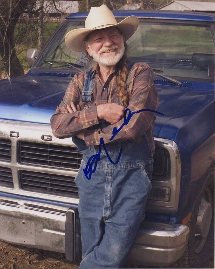 WILLIE NELSON signed autographed THE DUKES OF HAZZARD photo - REAL/IN-PERSON