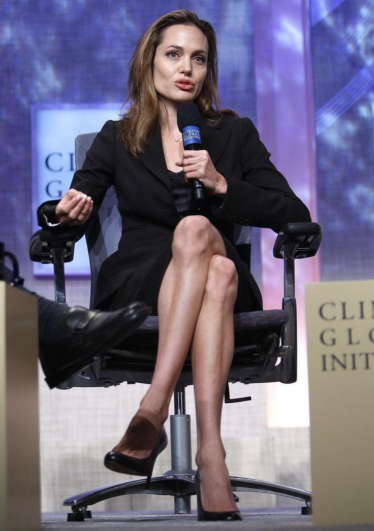 Angelina Jolie - Clinton Global Initiative Event - Photo 04