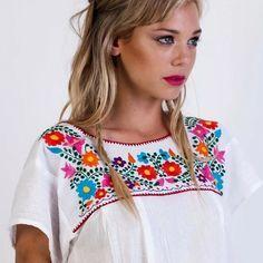 blusas artesanales bordadas en manta
