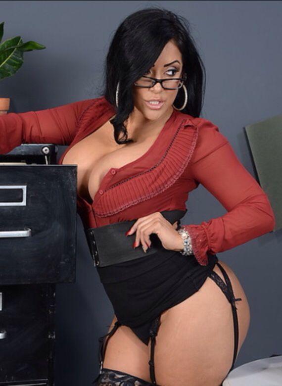 Thick Latina girl legs. | Boss Ladies | Women, Thunder ...