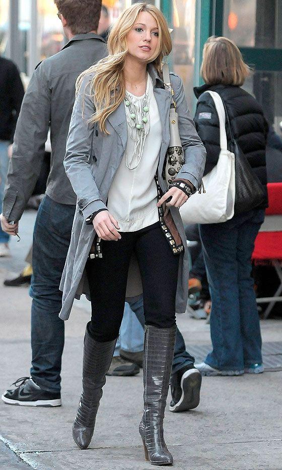 Blake Lively As Serena Van Der Woodsen Walking The Streets of New York, 2008