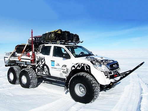 Arctic Trucks Toyota Hilux AT44 6x6 in Antarctic.Photos Gallery, Winter Cars, Trucks Cars, 6X6 Photos, Toyota Trucks, Arctic Trucks, Hilux 6X6, 4X4 Hilux, Nice Riding