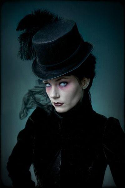 Victorian Vampire @Alexander Forsén Forsén Albatross