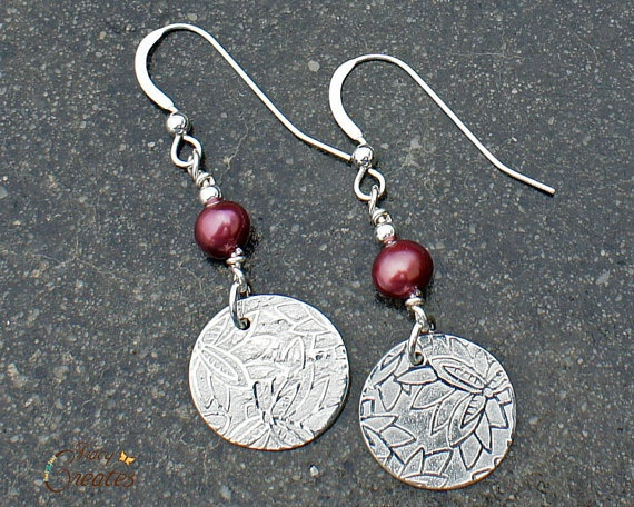 Fine Silver & Freshwater Pearl earrings.