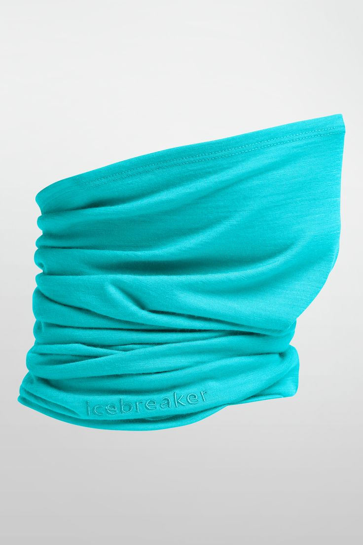 Super versatile merino headwear for four seasons worth of adventure, the Flexi Chute is a reliable choice for every time you head outside. Use it as a neck-warmer, twist it into a beanie, pull it up as a facemask or a sunshade, or fold it into a headband. And thanks to its highly breathable, super-soft 200gm merino jersey fabric, the Flexi Chute is as comfortable as it is useful.