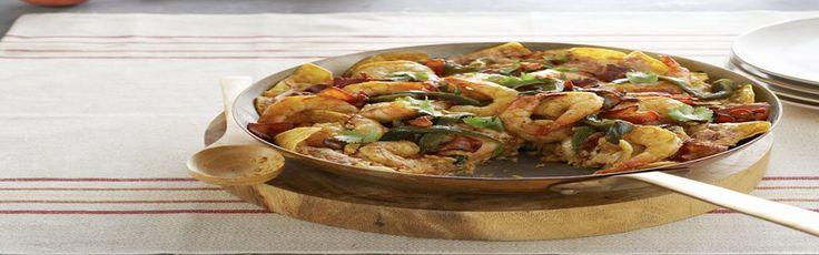 Chilaquiles de camarones con poblanos y tocino Receta