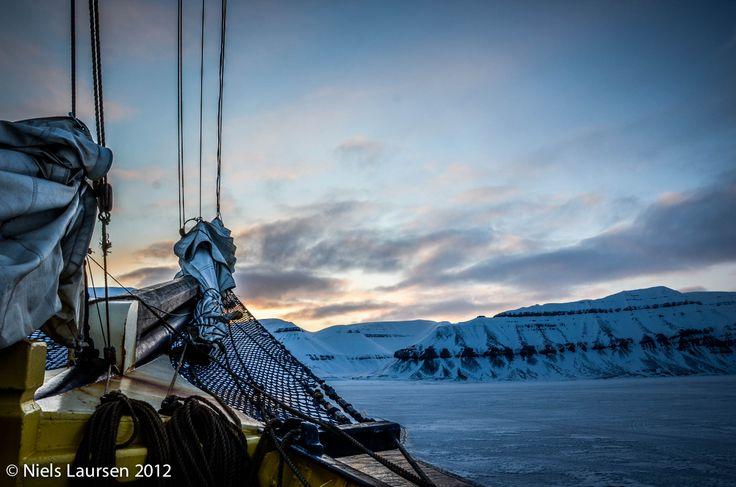 Ship in the ice - Noorderlicht @ Tempelfjord, Spitsbergen
