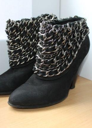ZARA czarne botki 38 #vintedpl http://www.vinted.pl/damskie-obuwie/botki/10869103-czarne-botki-na-obcasie-zara-38