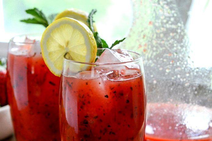 клубничный лимонад