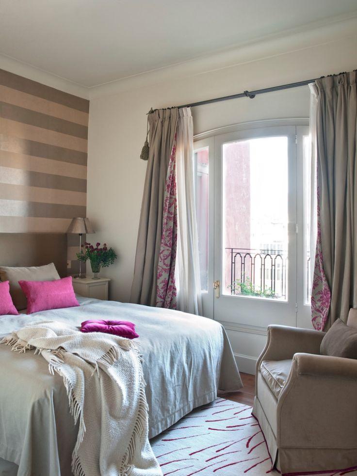 Wand-Streifen-Schlafzimmer-Braun-Beige-Horizontal-Fuchsia-Akzente