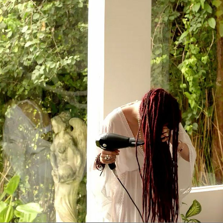 One of the most important things to consider when you have dreadlocks is that you have to dry them properly otherwise in worse case senario your dreadlocks can mold. No this is nothing that you want to happen I understand so we decided to do a video to show you how you can dry your dreadlocks fast with a blow dryer. Find the full video on our site here:
