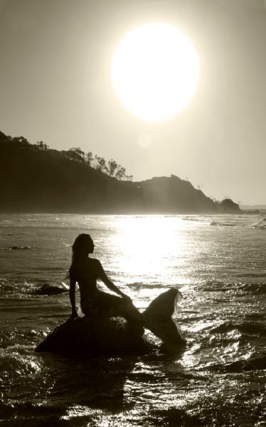 Mermaids | { Fantasy }... Fantasy Mermaids On Rocks