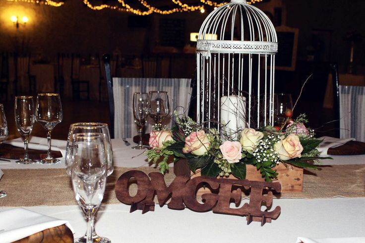 20 February 2016 - Pieter & Izel Hattingh - Table bouquet with a bird cage
