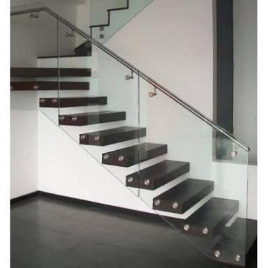 M s de 25 ideas incre bles sobre barandales de cristal en for Construccion de escaleras interiores