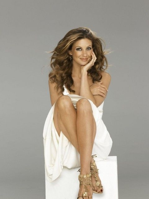 Faith Hill, she's so beautiful. My favorite female country artist <3