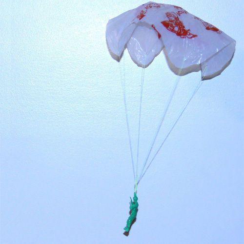 So ähnliche Fallschirme haben wir uns selbst gebastelt.