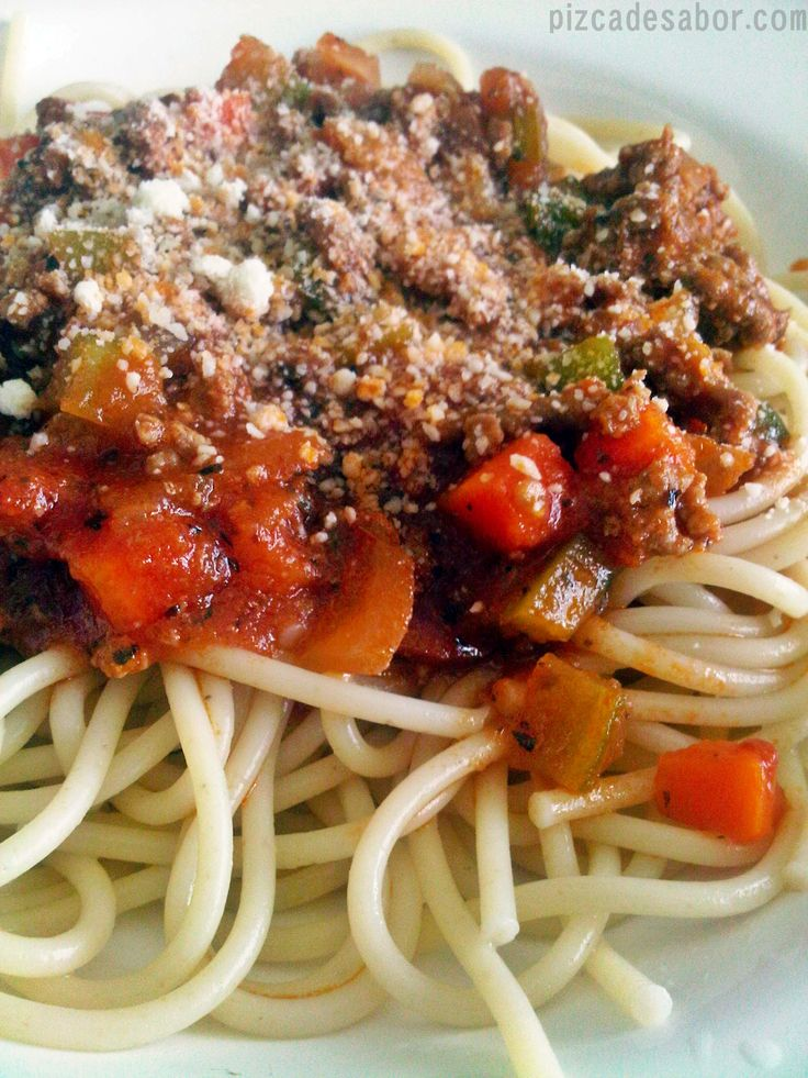 Spaguetti a la boloñesa/bolognesa
