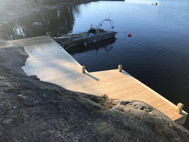 Brygga Stockholm Skärgård Värmdö. Red Mount AB. +46700534688 AB Sjöliv.