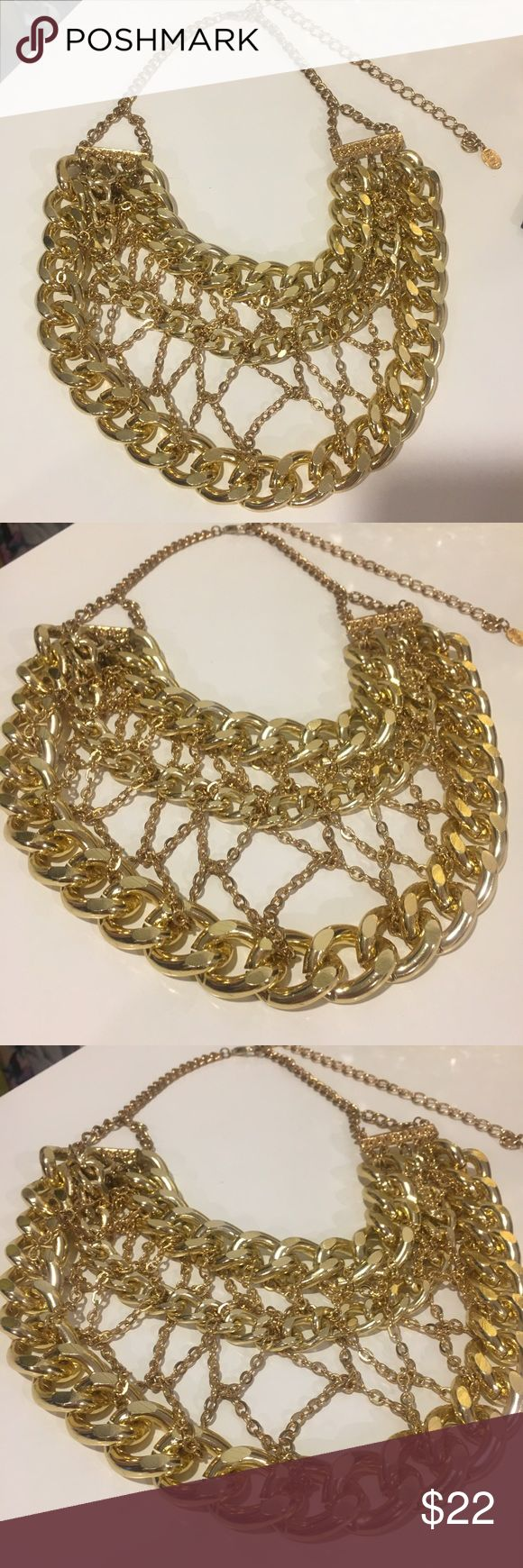 New oversized chunky gold necklace Eye catching necklace. This is a statement piece for sure! Jewelry Necklaces