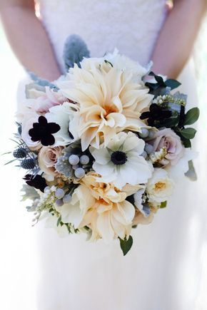 Anemone and dahlia wedding bouquet | Patricia Kantzos Photography