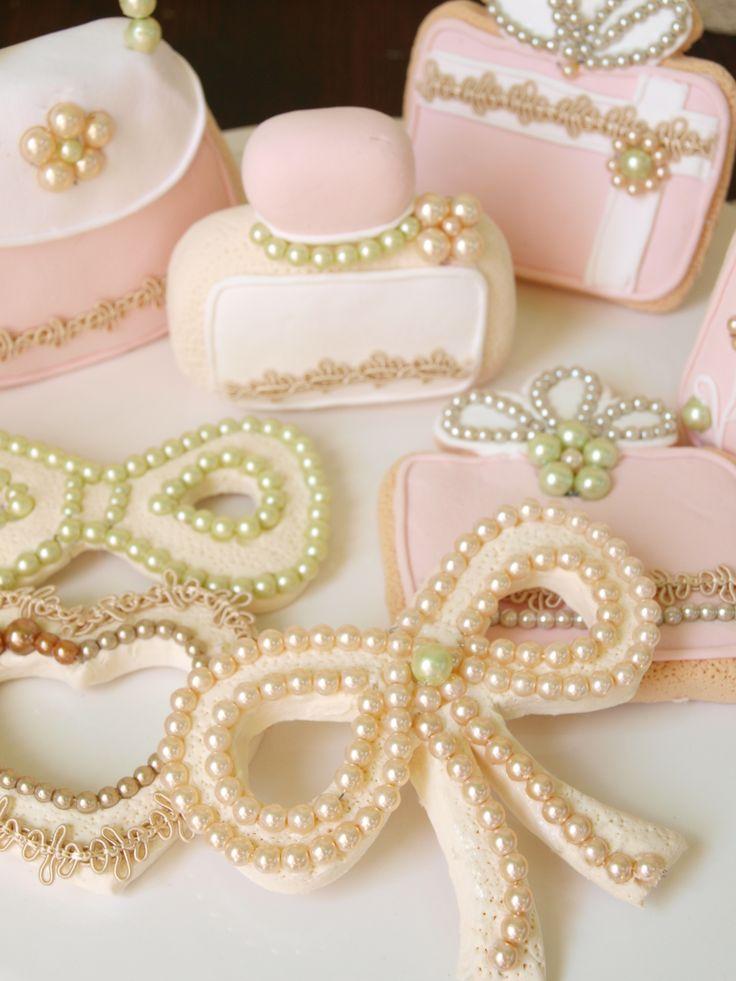ウェディングデコレーションに♪  クレイで作る世界で一つの カワイイウェディング小物たち  http://www.weddingpartyfactory.com/