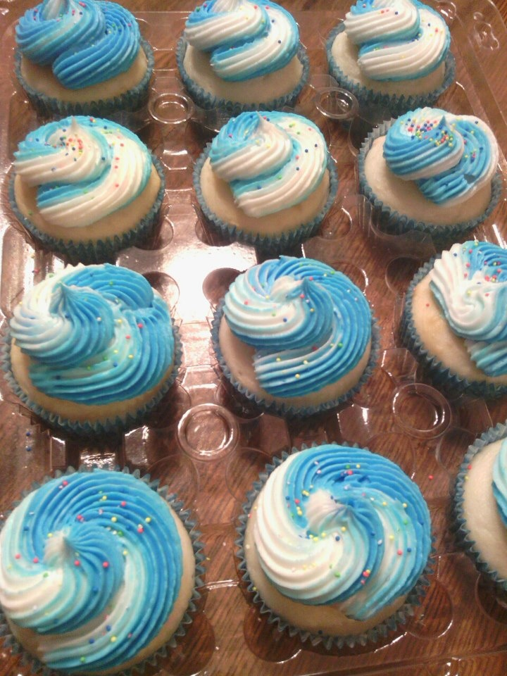 Blue & White Swirl Cupcakes | Cupcakes | Pinterest
