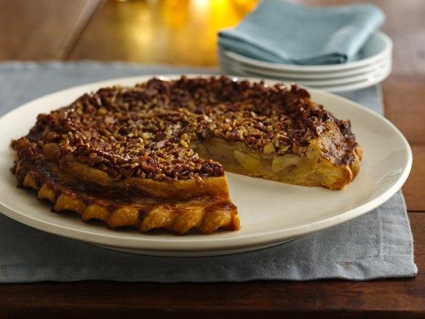 Caramel-Pecan Upside-Down Chai Apple Pie | Recipe