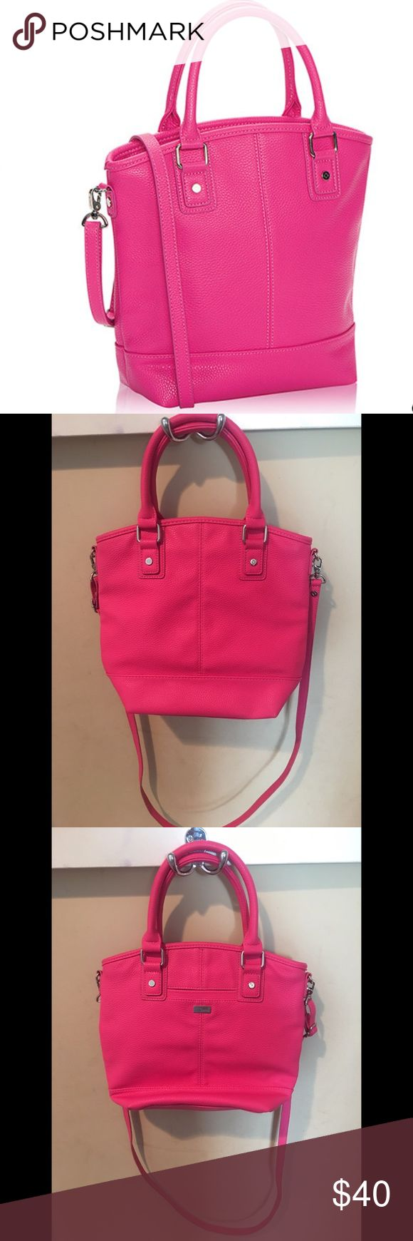 """Thirty-One Paris Handbag Selling my Thirty-One Paris handbag from the Jewell collection. Such an adorable bag, great condition! I just need to declutter! This bag is in the color """"Candy Pink Pebble."""" Approximately 11.5""""H x 8.75""""L x 3.5""""D. 😊 Thirty-One Bags Totes"""