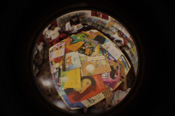 A Biblioteca da Fundação Casa Grande -Memorial do Homem Kariri dispõe de um acervo diverso com um catálogo de mais de 2.000 livros de LITERATURA INFANTO JUVENIL, sua sede se encontra no município de Nova Olinda - CE.