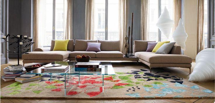 Table basse avec plateau en verre extra clair 12 mm. Piétement en verre feuilleté collé épaisseur 10 mm coloré et clair. Disponible dans différentes harmonies.