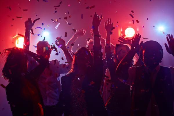 Las MEJORES discotecas de Madrid. ¿Quieres vivir una noche más que divertida?    #madrid #discotecas #salir #fiesta #noche