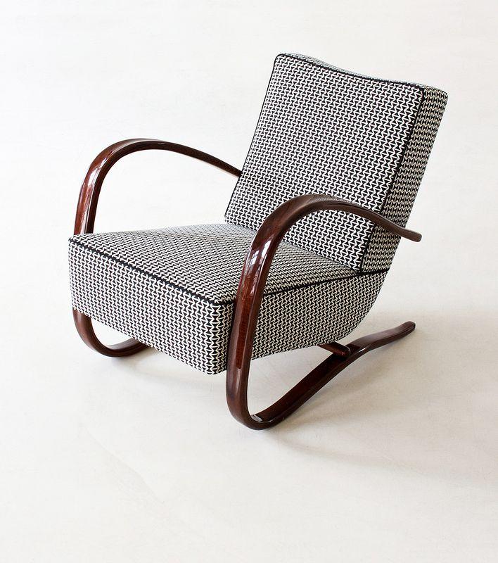 Jindrich Halabala, Streamline armchair, 1930. Made by UP Zavodny, Brno. Via zeitlos berlin