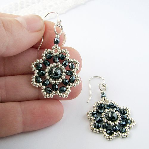 These are beautiful! They look like my free Flower Earrings (http://www.aroundthebeadingtable.com/Tutorials/FlowerEarrings.html) So pretty!