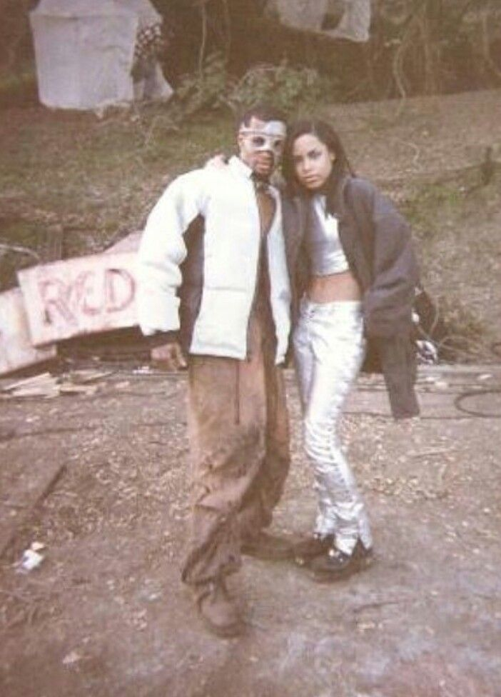 Aaliyah on the set of 4 Page Letter.
