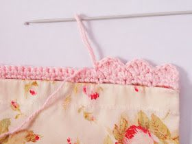 Heidi Bears: Super Easy Pillow Case with Crocheted Edging YES finally the link to the actual tutorial!
