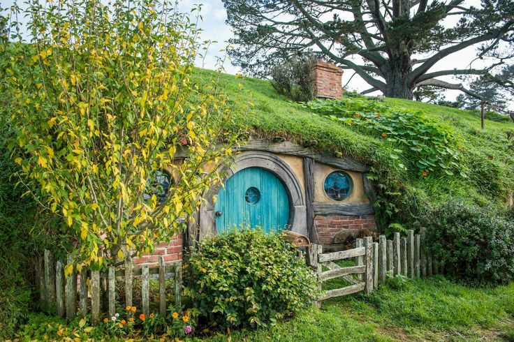 Hobbit Hole On Pinterest Hobbit Houses Hobbit Home And Cob Houses