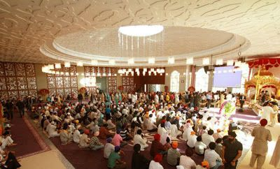 Online Business Operator: Dubai Gurdwara sets world record with breakfast fo...