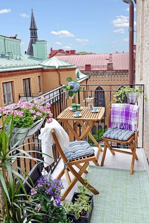 Blumenkasten kleiner Balkon Deko Ideen  https://twitter.com/HouzzDE/status/607789165367848961