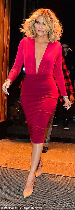 Khloe Kardashian displays her pert bum on the promo trail in New York | Daily Mail Online