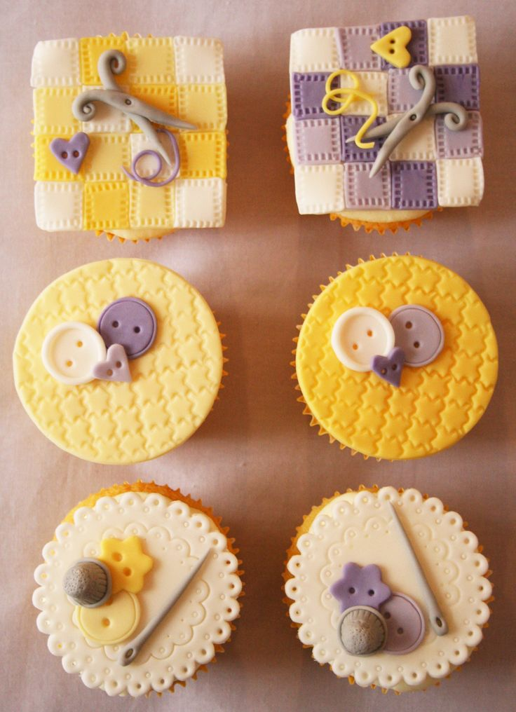 Sewing cupcakes with lemon curd filling and clotted cream frosting  http://passionecupcakes.blogspot.it/