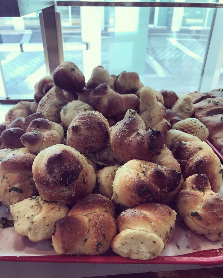 Enjoy our fresh garlic knots with a shot and a beer @maxis_tu  $2.50 yuengling draughts $3 cherry hooter shots & $4 wachman whiskeys drinks all day long   #maxis #maxistu #maxistemple #maxisbar #temple #templeowls #tu #college #collegelife #collegefood #philadelphia #philly #phillybar #phillybars #phillyfood #phillyfoodies #phillyeats #eagles #eaglesnation #phillies #flyers