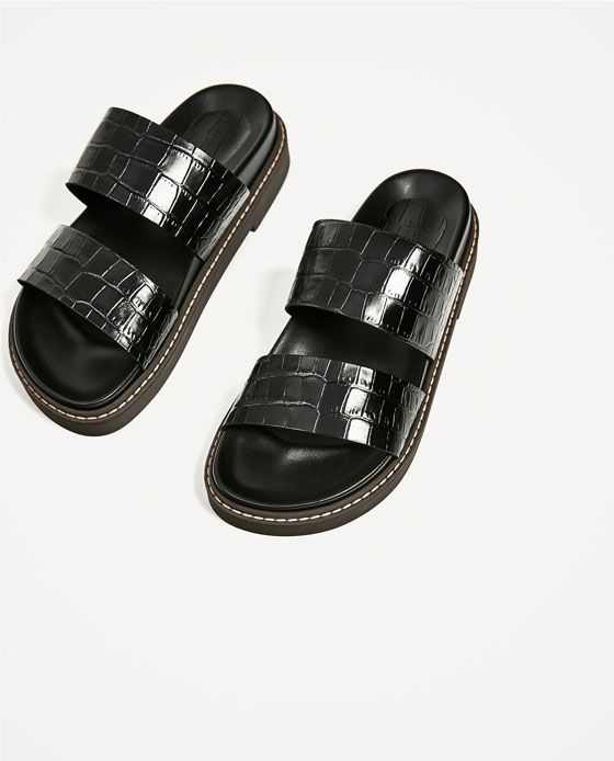Image 4 of EMBOSSED FLAT LEATHER SANDALS from Zara