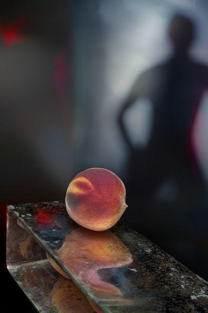 Olivia Parker, . the peach, 2012